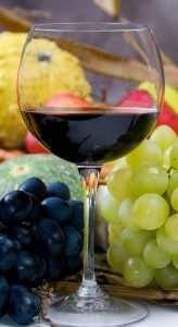 wine tasting 164x300 Island Trader Vacations Travel Services Department Explores 2 Stunning Wine Regions